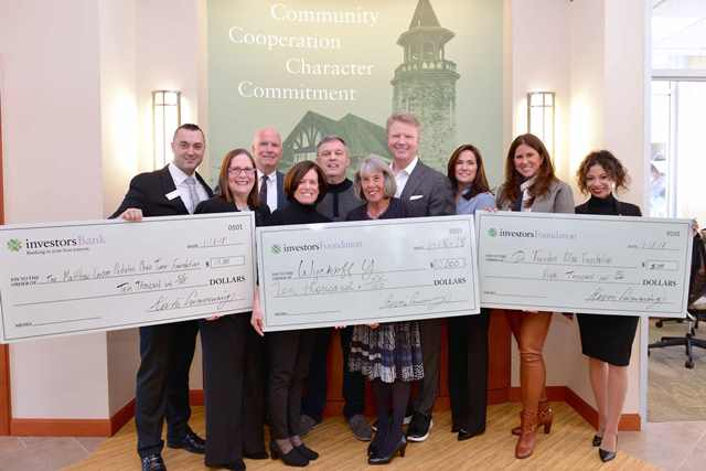 Investors Bank and Investors Foundation Present $25,000 to Three Nonprofits on Behalf of Phil Simms